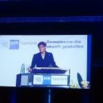 Ministerpräsidentin Annegret Kramp-Karrenbauer bei der IHK Bestenfeier der Landesbesten 2015 im Saarbrücker E Werk
